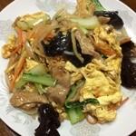 満山紅 - 豚肉、キクラゲと卵炒め