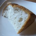 キク - ランチに付くパン