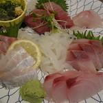 旬魚や 魚いち - 刺身盛り合わせ定食