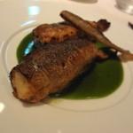 レストラン・セン - 鮎にほうれん草と帆立を詰めた贅沢な一品。 ☆4・2 緑のソースはほうれん草ソース