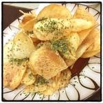 一文 - 料理写真:皆様こんばんは。揚げたてポテトチップスいただきました。おやすみなさい。(^^)
