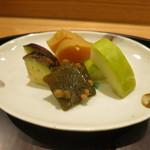 日本料理 太月 - 26年7月 香の物 昆布、茄子、沢庵、瓜