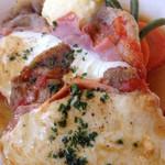 28966258 - 信州産豚ロース肉と生ハムとモッツァレラチーズの重ね焼き