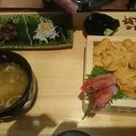 28976088 - うに丼ナマコとしらす添え3000円。
