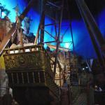 ポート・オブ・パイレーツ - 店内から見える海賊船