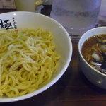 28977633 - つけ麺(黒・中盛り)800円