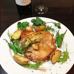 ヴァンヴィーノ - 料理写真:鶏もも肉のパリパリロースト