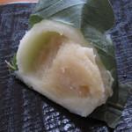 翁屋 - 料理写真:柏餅(味噌)¥175断面