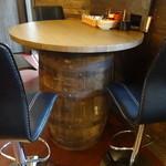 ちゃ味道楽 - こんな感じのテーブル席もあります
