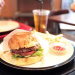 SASA BURGER - ハンバーガー (850円) '14 6月下旬