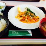 28997625 - 魚料理のランチ和風セット850円