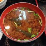 元禄鮨 - ランチタイムの丼のセットの味噌汁です!