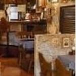 エル・カステリャーノ - スペインの居酒屋風の内装