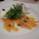 プリマステラ - 前菜(サーモンのカルパッチョ)