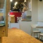 Sempre Pizza - セルフサービスコーナー(お水、ペーパーナプキンなど)
