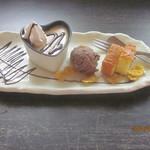 石焼オムライスダイニング クローバーキッチン - デザート