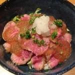 Dining KATSURA - ローストビーフ丼800円
