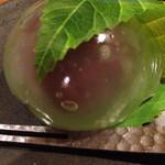 29012001 - ☃水まんじゅう☃                       夏にピッタリのお饅頭。                       食べてるだけで涼しくなってきます^ ^                       ★3.2