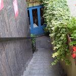 イル・ピッチョーネ - 階段を降りると・・