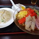 Seikouen - ランチメニューの「冷し中華+半炒飯」750円也。税込。