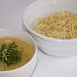らーめん れんげ - 料理写真:濃厚スープで食す、絶品の鶏白湯つけ麺