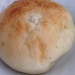 手作りパンの店 「チロル」 - バジルフォカッチャ 138円