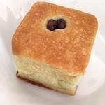 手作りパンの店 「チロル」 - 抹茶おぐら 153円