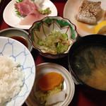 口福 - 焼き魚定食、今日は太刀魚