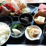 割烹 かつとよ - 料理写真:刺身定食