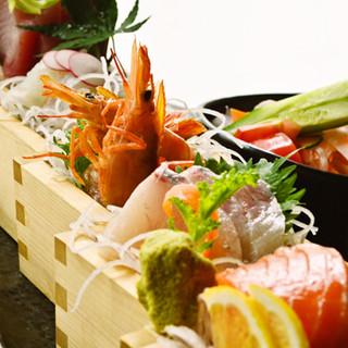 鮮魚のお刺身盛り合わせ『鮮魚五種と野菜の枡盛り』