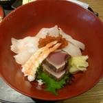 Yahiromarunishikikou - 海鮮丼アップ