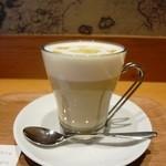 カフェ レクセル - ミルクタップリですね
