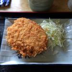 肉汁うどん青柳 - 自家製メンチコロッケ