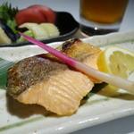すし王 - 焼魚セット/A(サーモン塩焼)