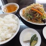 中華良美 - 昼定食セットA 野菜いため550円