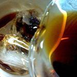 結構人 ミルクホール - アイスブラック¥700 (氷に淹れたて珈琲を注ぐ急冷式:2杯め~¥300)