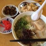筑豊ラーメン山小屋 - 2014.7.4(金)18時45分 今日は半焼飯セット+200円