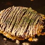 布施風月 - 料理写真:これが私たちが昔食べた懐かしい味。思い出のある風月のお好み焼き。
