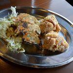 一完歩 - セットの鶏唐揚げと焼ギョーザ