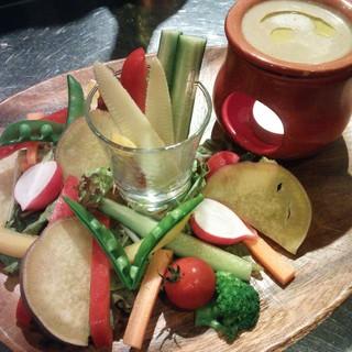 ヘルシーさが魅力『新鮮野菜のバーニャカウダ』