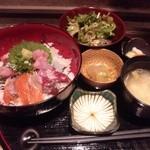29068182 - 1580円 海鮮丼