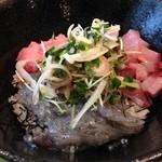 魚殿 - 生しらす、ネギトロ、イナダ丼@新橋 魚殿