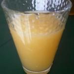 マルタ果樹園 フレッシュジュースバー - ドリンク写真:サマーミックス