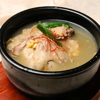 美肌、美容、健康に良い参鶏湯(サムゲタン)