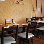 かきべえ - テーブル席