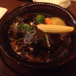 29077598 - ビーフシチュー1300円。牛肉いっぱい。