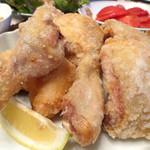 千歳 - 料理写真:若鶏の唐揚げ2人前