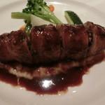 シェ・モリタ - 仔牛肉で包んだフォアグラ 赤ワインソース