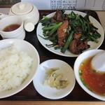 盛 - ご飯が進むレバニラ定食