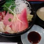 すし三崎丸 人形町二丁目店 - 本マグロ丼